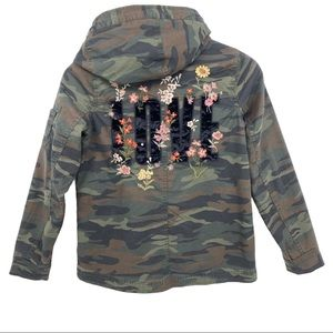 American Eagle Camouflage LOVE Hooded Jacket Sz XS